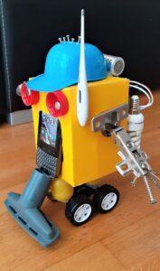 Darek Nasiłowski, 10 lat, Robot wielozadaniowy do prac domowych Szkoła Podstawowa nr 277